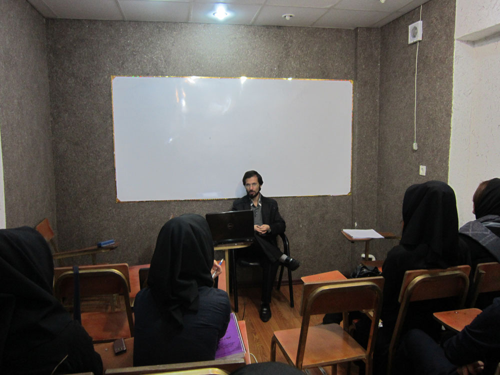 جلسه با دانش آموزان سال 1389 مهندس حسینی