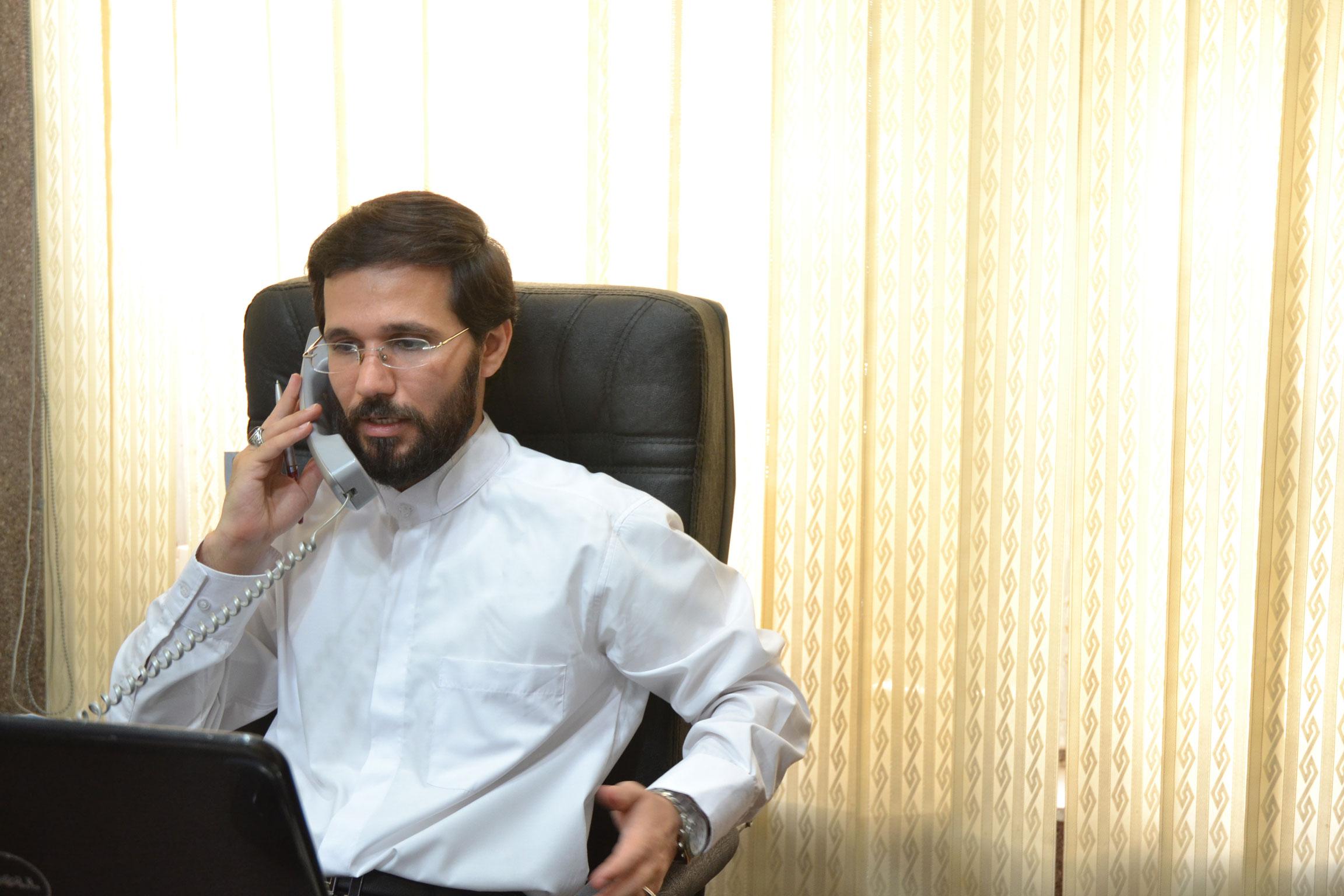 تماس تلفنی مهندس حسینی در رابطه با صلح بین الملل